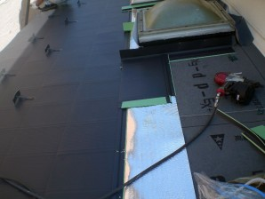屋根葺き替え中工事